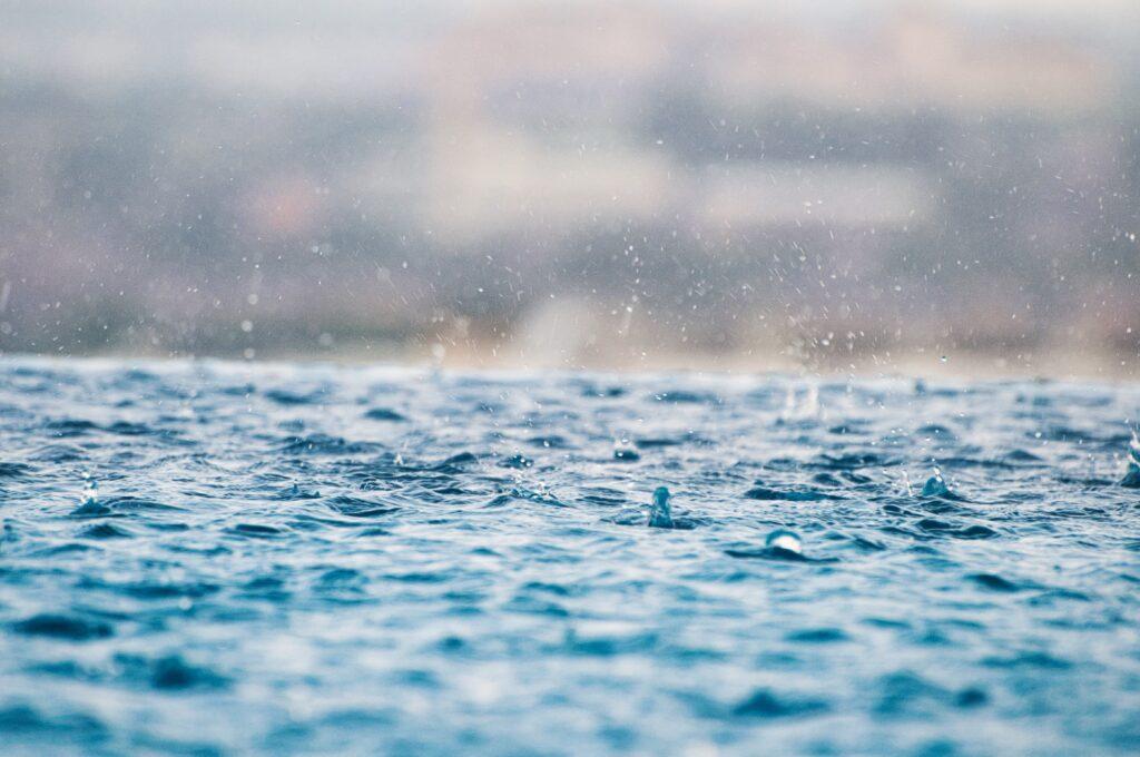 雨が続きますね。