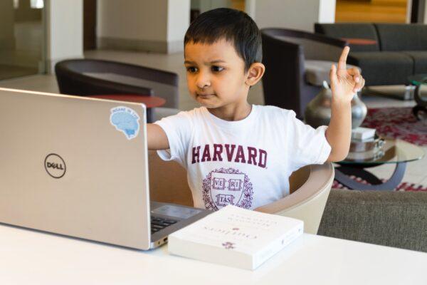 パソコンで宿題!